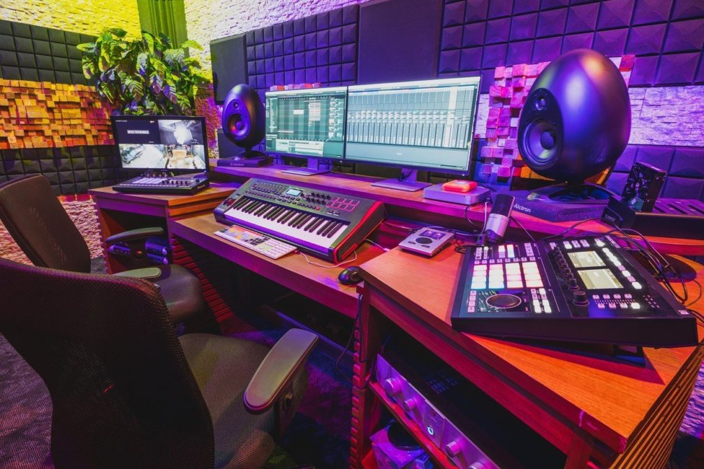 Check this before you hire a recording studio