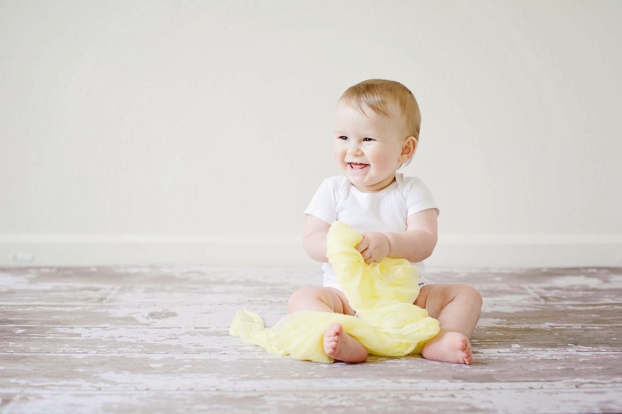 Factors to consider when buying newborn baby clothes online